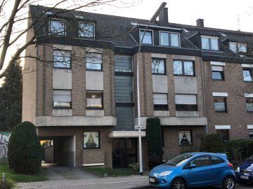 Toll geschnittene Zweizimmerwohnung mit großem Balkon in Sonnenlage, 41199 Mönchengladbach, Etagenwohnung