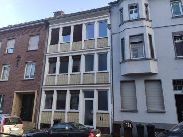 Solides Zweifamilienhaus in ruhiger, zentrumsnaher Lage von MG-Rheydt, 41236 Mönchengladbach, Zweifamilienhaus