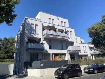 Großzügige 3-Zimmer-Wohnung im Staffelgeschoss mit toller Terrasse in Sonnenlage, 41239 Mönchengladbach, Penthousewohnung